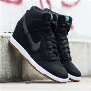 💘 New💘 NIKE Dunk Sky HI Essential ~ 7